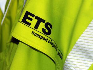 Foto zeigt Sicherheitsbekleidung Lager Hamburg ETS Transport & Logistics GmbH Bremen