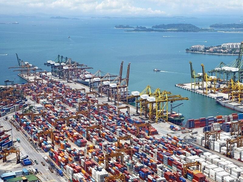 Foto zeigt Containerhafen