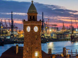 Foto zeigt den Hamburger Hafen